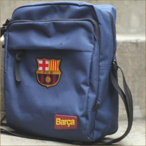 Sling Bag Tas Selempang Manchester United Mu Hitam sling bag barcelona fc jm store