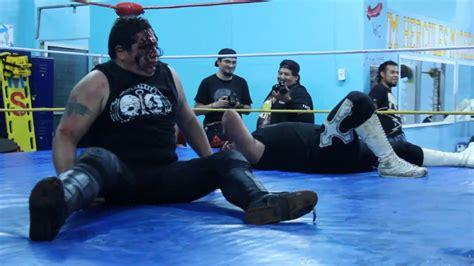 Mano Jr drako vs corsario negro jr en mano a mano en lucha libre