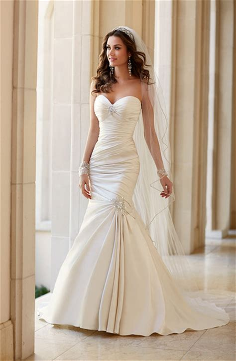 How Stila Gives You The Carpet Look by Stella York Wedding Dresses Photos By Stella York Image