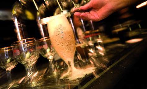 bicchieri birra belga dalla giusta temperatura alla scelta bicchiere birra