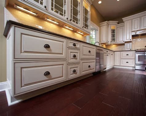glaze on kitchen cabinets beautiful glazed kitchen cabinets on custom home kitchen