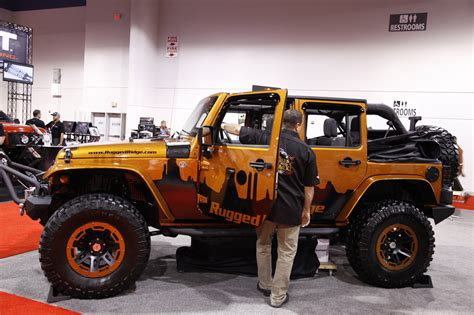 rugged ridge jeep sema 2011 rugged ridge jeep wrangler power soft top photo gallery autoblog