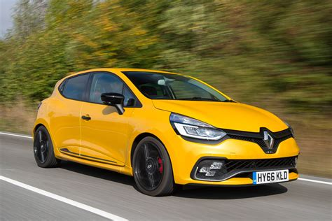 renault clio rs renault clio rs 220 trophy 2016 review pictures auto