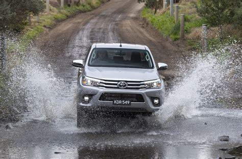 Karpet Toyota 2018 2018 toyota hilux updates announced 10 new variants