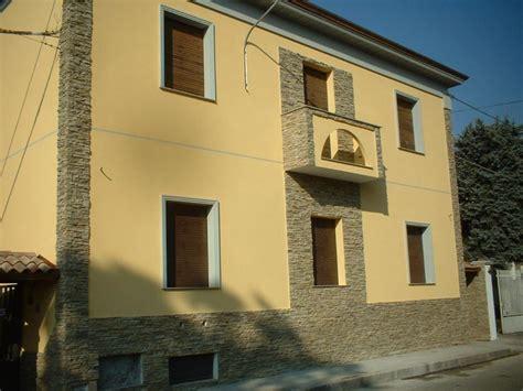 Facciate In Pietra E Intonaco by Ristrutturazioni Edilizie Realizzazione Lavori