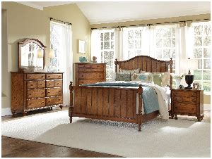 golden oak bedroom furniture hayden place golden oak finish bedroom set broyhill