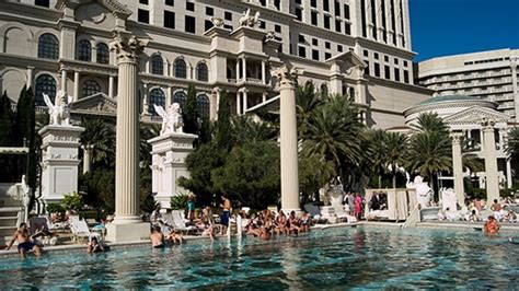 Caesars Garden City by Garden Of The Gods Pool Oasis Review Caesars Palace Las