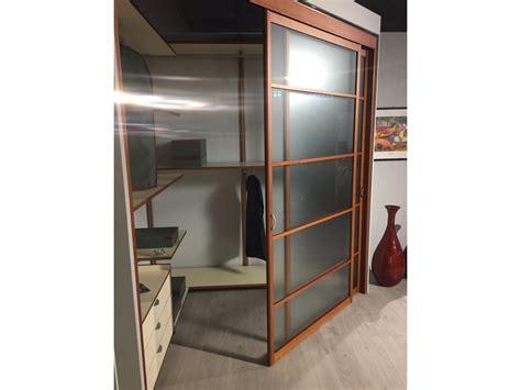 rimadesio armadi cabina armadio con porte scorrevoli ciliegio e acidato