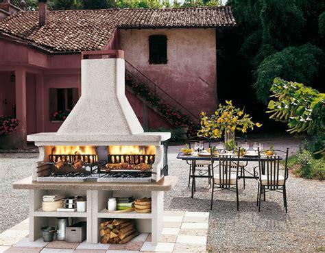 cucina da esterno con barbecue cucine da esterno piani cottura barbecue e arredi per
