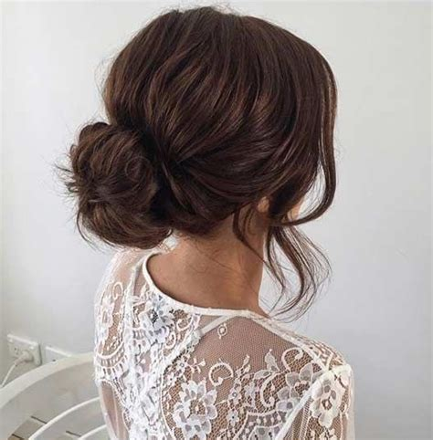 Simple Bun Hairstyles by Best 25 Simple Updo Ideas On