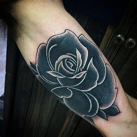 rose tattoo on arm black and white 80 black rose tattoo designs f 252 r m 228 nner dark ink ideen