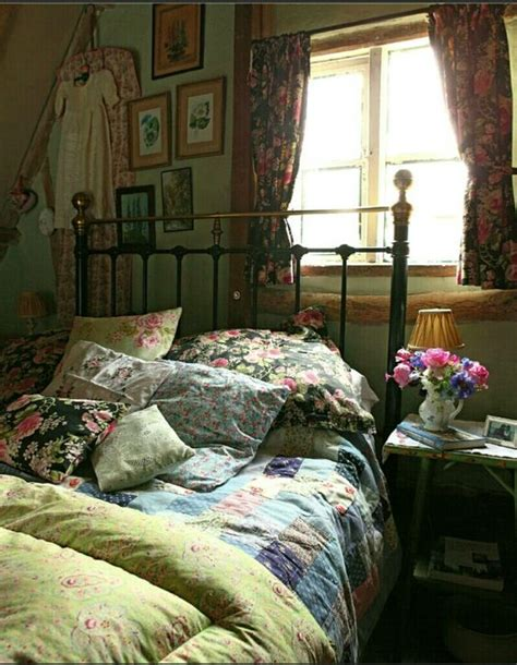 old fashioned bedroom ideas english country decor english and country on pinterest
