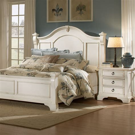 heirloom bedroom set antique white posts bracket