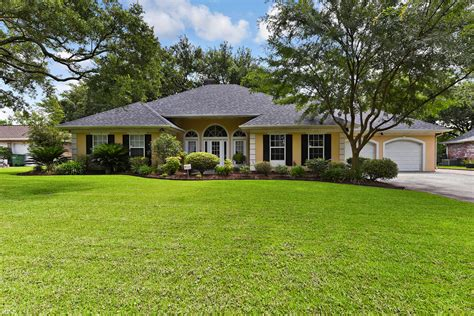 gorgeous home for sale in laplace la 124 viola court