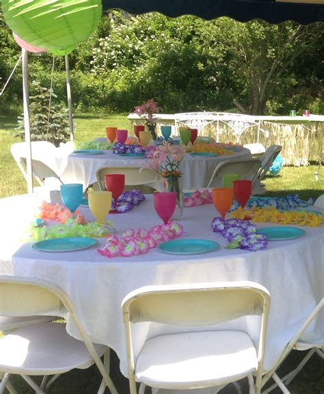 Hawaiian Themed Baby Shower Favors by 25 Best Ideas About Luau Baby Showers On