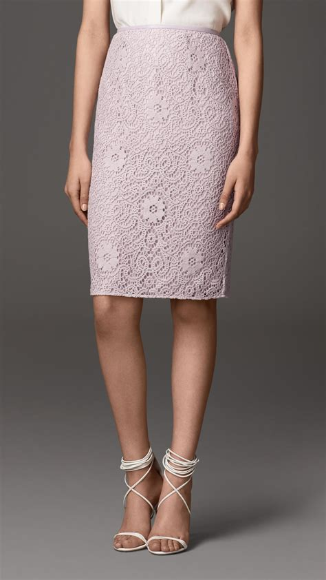 burberry crochet lace pencil skirt in pink pale orchid