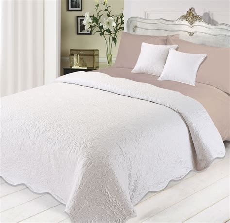 White Quilted Bedspread 3pc Luxurious Quilted Bedspread Comforter Cushions Set