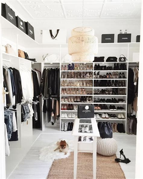 25 best ideas about wardrobe room on dressing