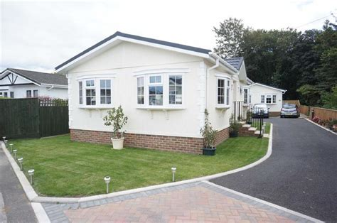 2 bedroom house bournemouth 2 bedroom park home for sale in stour park bournemouth