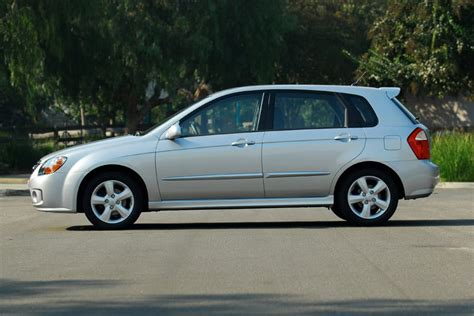 2005 kia spectra5 reviews kia spectra5 hatchback models price specs reviews