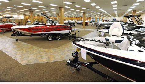 boat dealer moves into former scheels space at rimrock