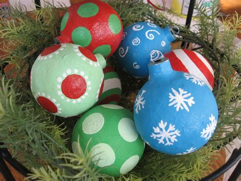 decoupaged papier mache ornaments top 30 crafty paper mache projects you can try for yourself