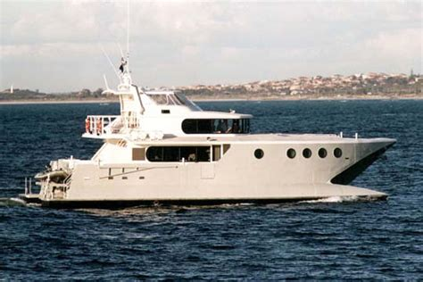 catamaran wave piercing design id2445 22m wave piercing catamaran motor yacht