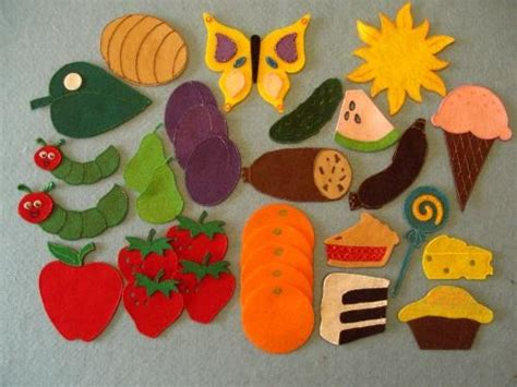 Mainan Edukasi Fuzzy With 20 Felt Play Pieces And 5 Playscenes 17 best images about fuzzy felt on play sets toys and for