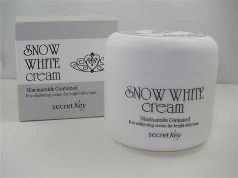 Detox Market Niacinamide by Snow White Vs Other Whitening Creams On Market