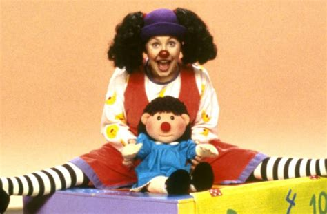 the big comfy couch backwards loonette the clown from the big comfy couch looks a