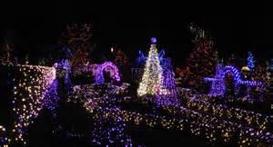 vivian in stitches christmas lights van dusen gardens