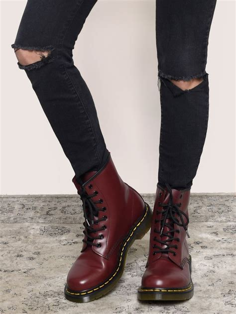 Sepatu Dr Martens Low Leather 03 best 25 doc martens ideas on doc martins doc