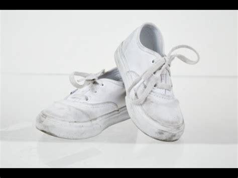 how i clean my converse canvas shoes doovi