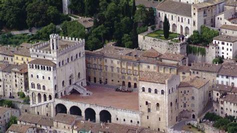 comune di gubbio uffici mercato medievale di gubbio a piazza san