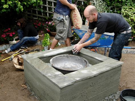 How To Build A Pit On A Concrete Patio by How To Make A Concrete Feature How Tos Diy