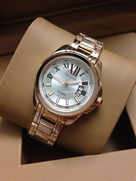 wristwatches popular luxurious golden
