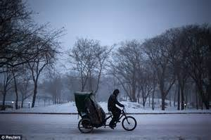 nyc putting foot down on pedicab fares after texas tourists are east coast snowstorm causes flight cancellations and
