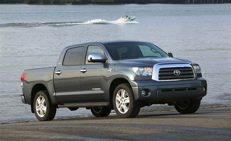 toyota tundra car and driver