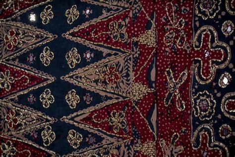 Sarung Tenun Zamrud kain tapis indonesiakaya eksplorasi budaya di
