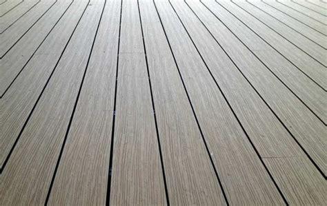 Bodenbelag Terrasse Kunststoff by Wpc Terrassendielen Bodenbelag F 252 R Terrasse Und Balkon