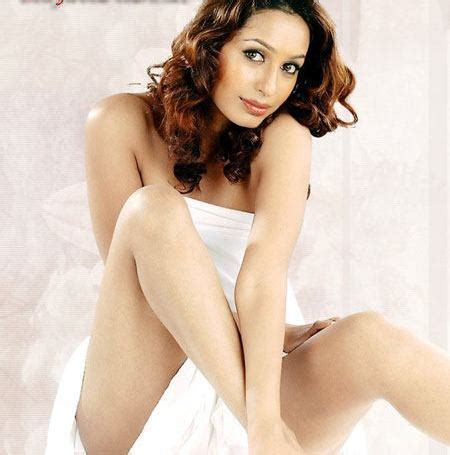hollywood bollywood and lollywood actress information