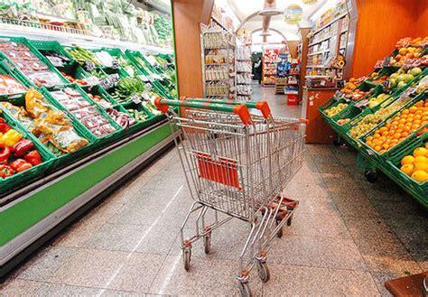 grande distribuzione alimentare carrello vuoto nella gdo gli alimentari crollano pi 249