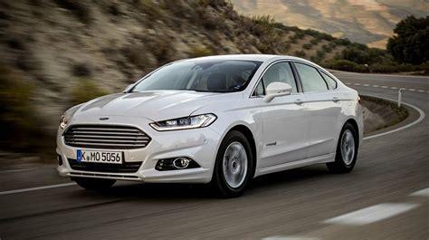 Auto Abmelden Wie L Uft Das Mit Der Versicherung by Der Mit Den Drei Herzen Ford Mondeo Hybrid Autorevue At