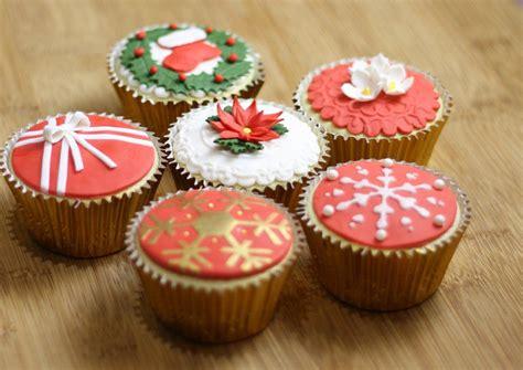 a cupcake christmas a christmas elf story romance
