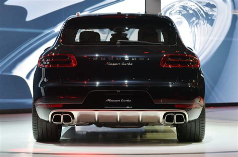 77 Premiere Flam porsche macan interior lighting floors doors