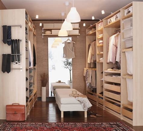 Pax Walk In Closet by Re Am Nagement Dressing