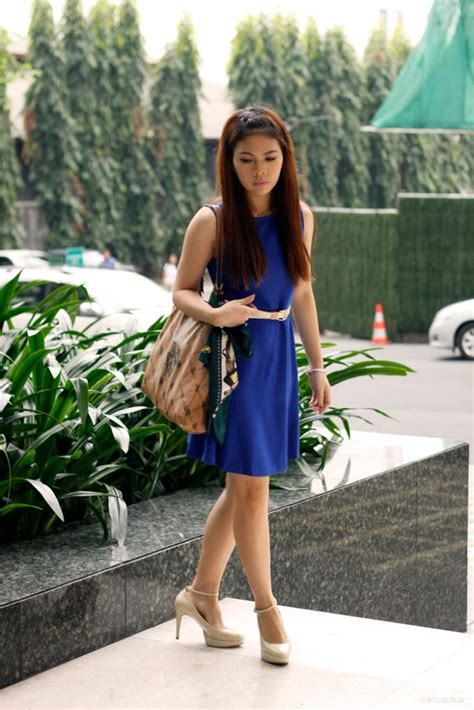 what color shoes to wear with royal blue dress colour shoes to wear with royal blue dress style guru