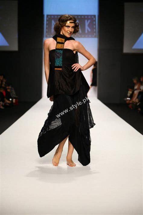 design fashion week third day of dubai fashion week 2011 and indian fashion