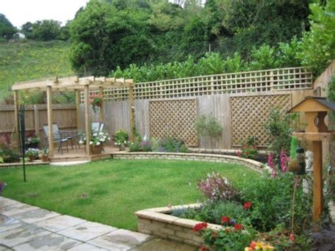 The Beautyfull Small Backyard Landscaping ideas   front