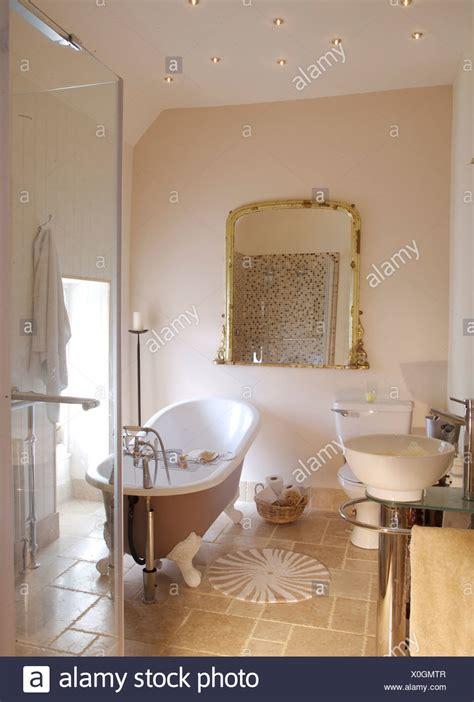 nel bagno roll top bagno e grande vetro cabina doccia nel bagno